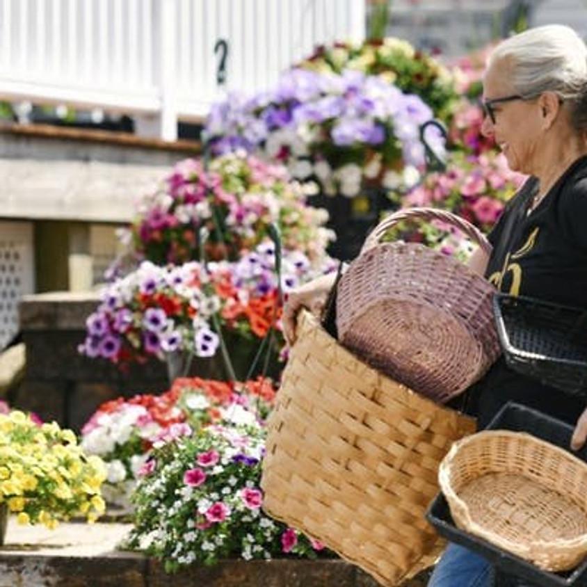 Golden Apple Market: A Blend of Artisan & Farmhouse Finds (1)