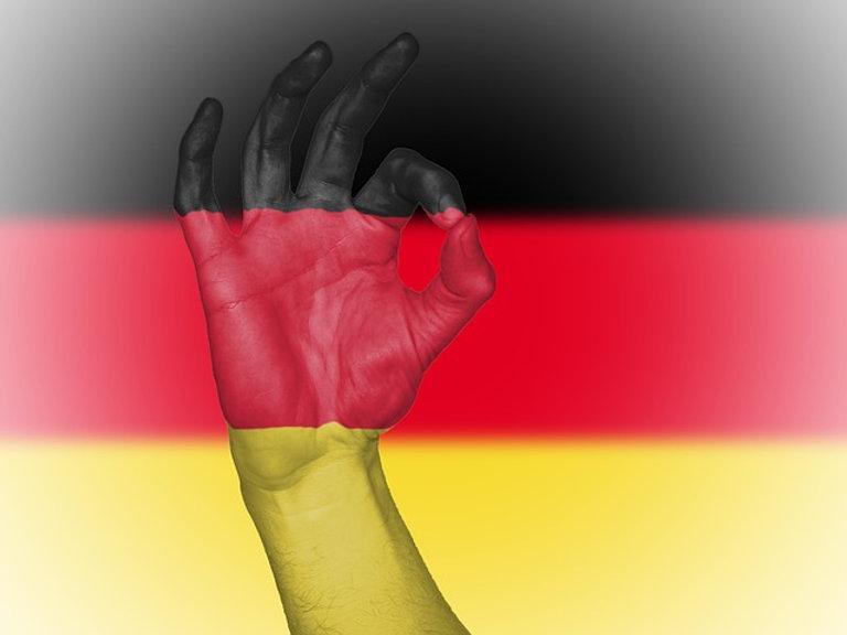 flag-2544709_640.jpg