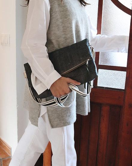 """BERTA"" Folded Zipper Clutch | Plegado Cremallera"