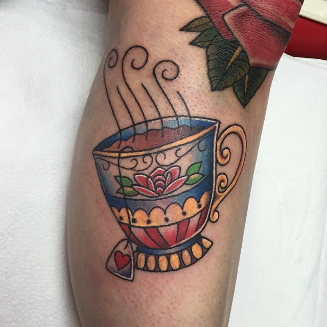 Had a blast tattooing this teacup lat ni