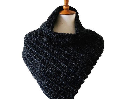 Crochet Triangular Cowl