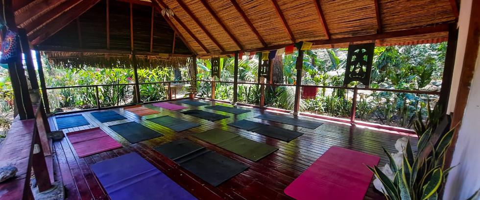 Costa Yoga Shala - 15 mats plus teacher.