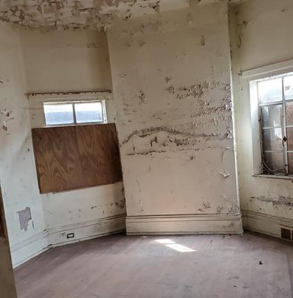 #16 side room.jpg