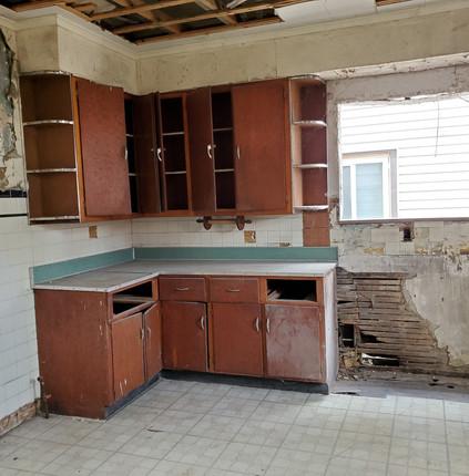 #5 Kitchen 2.jpg