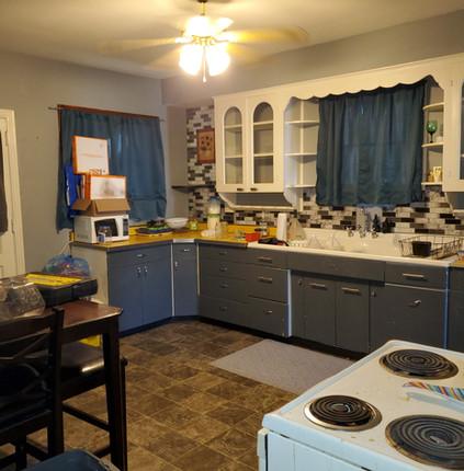 kitchen photo 4.jpg