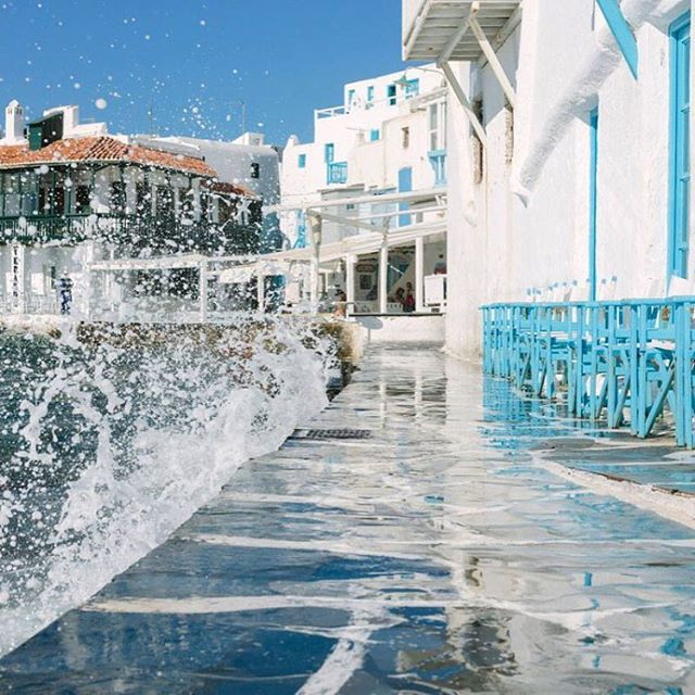 #littelvenice is #warmingup get ready for #mykonos2016 and #traveltogreece start your night at #thio