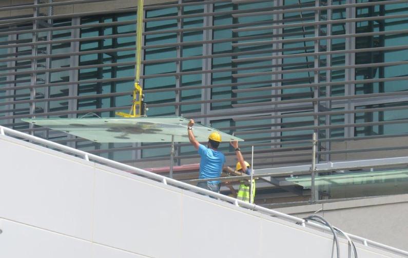 13 NOB 2030 Glass Canopy Panel Installat
