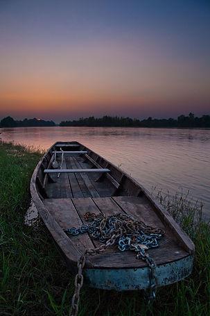 fotografie, vallee de la loire, boat, sunset, river bank, chains