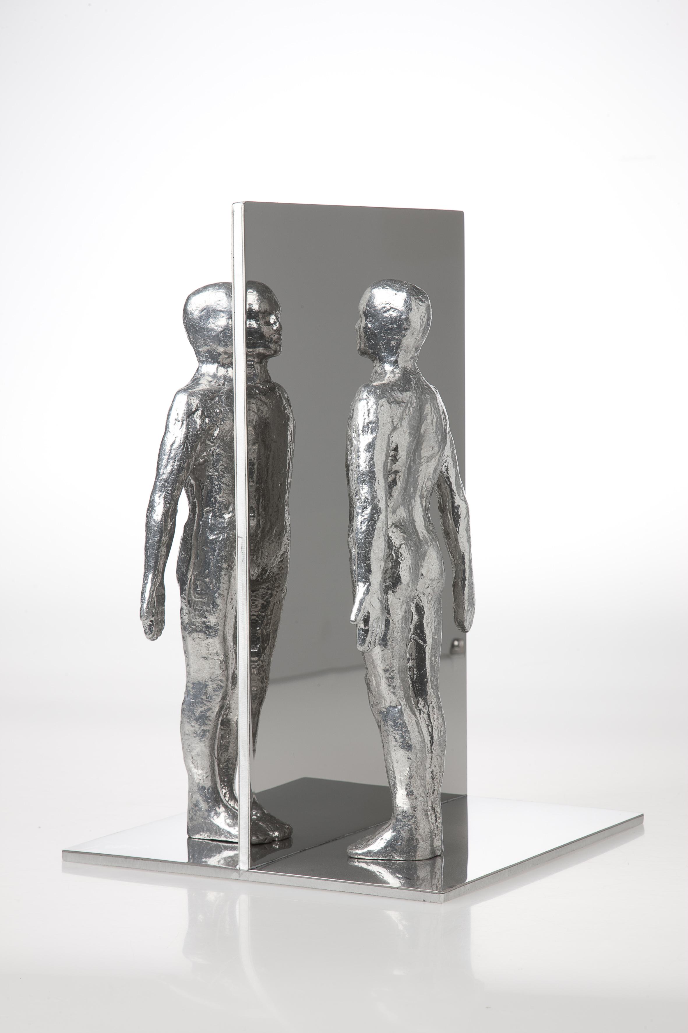 Mirror. 2011.