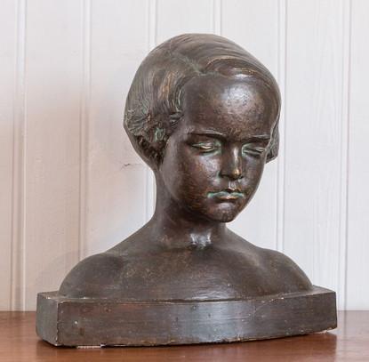 Ung stúlka (brons), ártal óvíst – A young girl (no year)