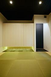 輸入住宅/住宅施工事例/間接照明が落ち着いた雰囲気をつくる和室。  