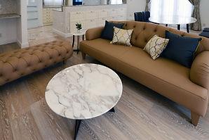 輸入住宅/住宅施工事例/イタリアから直輸入したソファとローテーブル。