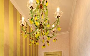 輸入住宅/住宅施工事例/レモンのモチーフがかわいいシャンデリア。    