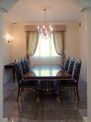 輸入住宅施工事例/気品漂うダイニング。照明、ダイニングテーブル&チェアは全てイタリアから直輸入。