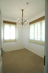 輸入住宅/住宅施工事例/ゲストルームも兼ねた和室。部屋の脇には小さな洗面室もご用意。