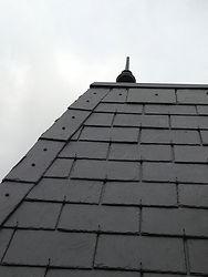 輸入住宅/住宅施工事例/フランス産天然玄昌石の屋根。
