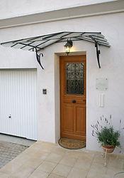 輸入住宅施工実例/フランス製の木製玄関ドア。オイルステイン仕上げされているもの。