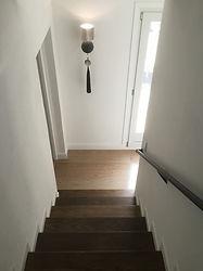 輸入住宅/住宅施工事例/オーク無垢材のステップです。  