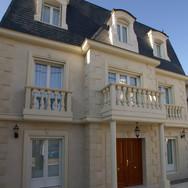 住宅施工例。イル・ド・フランススタイルのメゾン