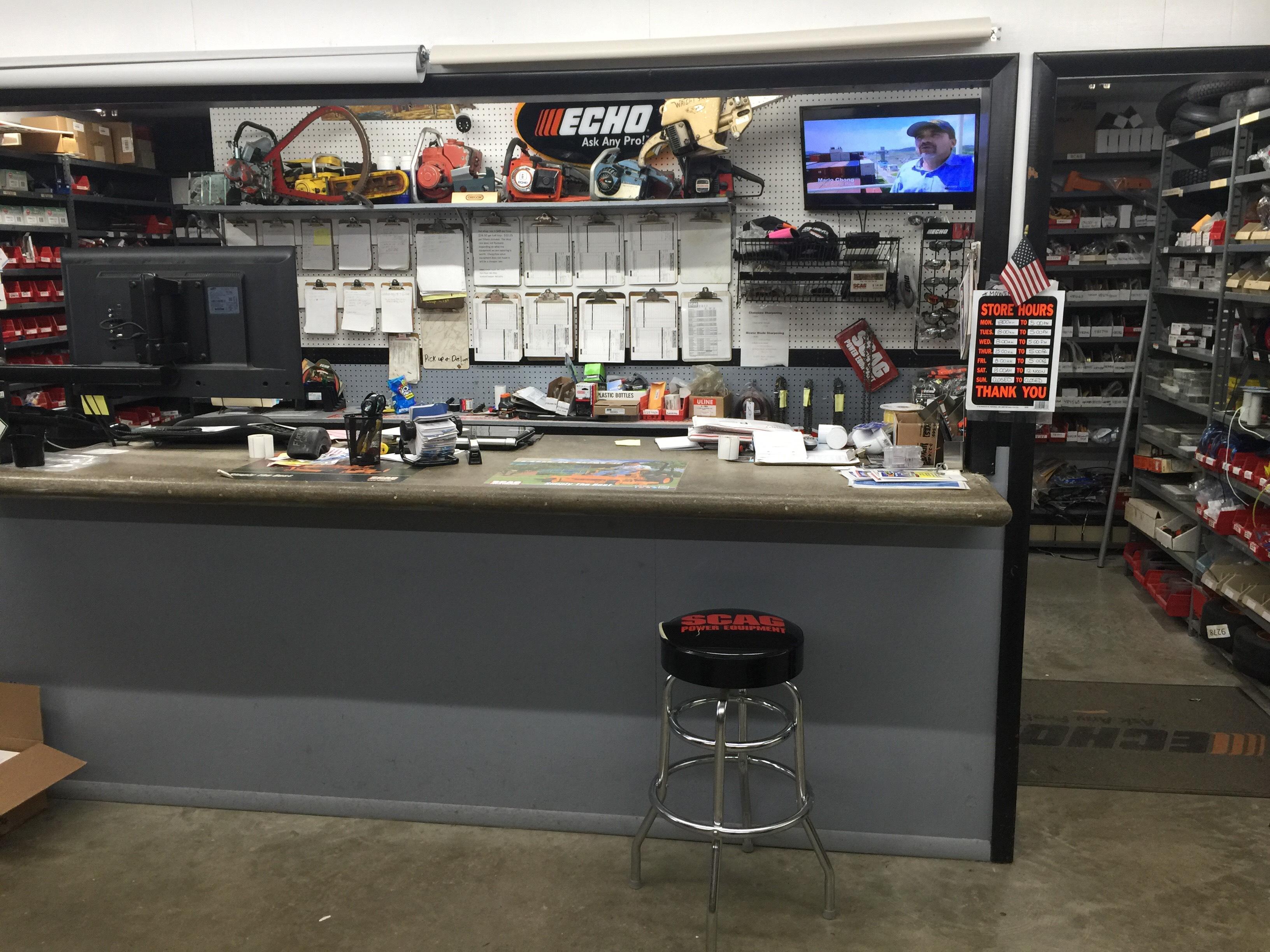 Bloomfield Supply & Hardware | Mower Shop