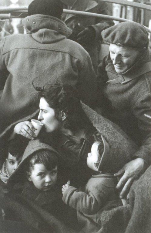 Rescapés_inondations_1953_-_Ed_van_Wijk_