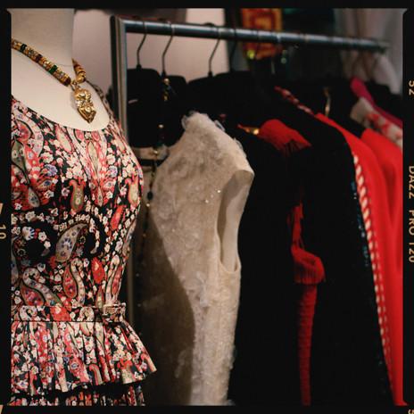 Renaissance Vintage Fashion Paris