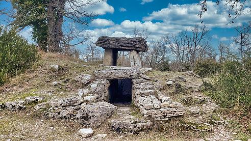 Dolmen Navacelles.jpg
