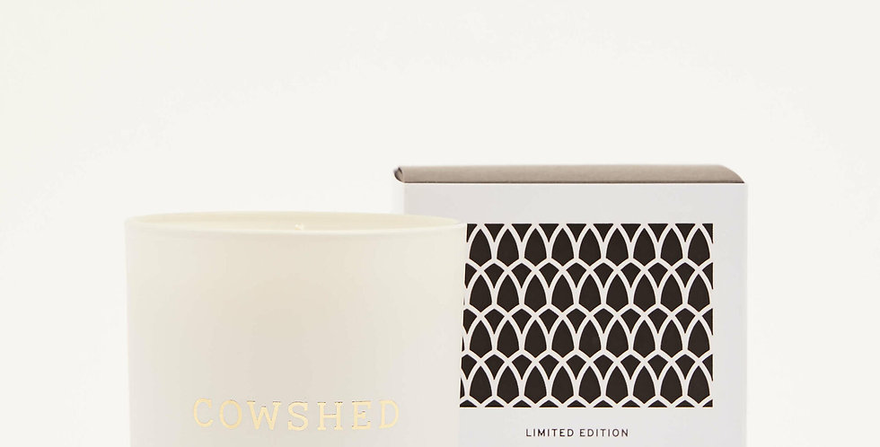 Cowshed Christmas Candle, Limited Edition 220g