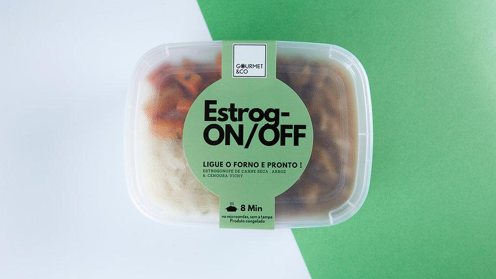 Estrogonofe de carne com arroz branco e cenoura vichy