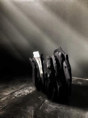 sculpture contemporaine porcelaine noire