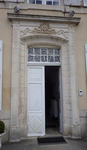 225804-porte-entree-facade-ouest