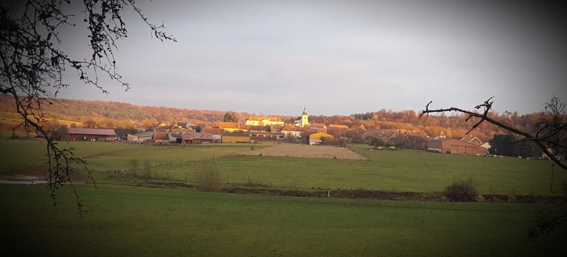 Vue du village tour de la passerelle