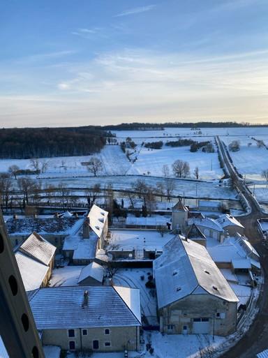 vue du clocher cour du chateau