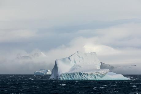 Cruising, Antarctica 06.jpg