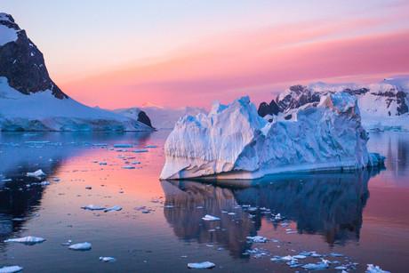Errera Channel, Antarctica 20.jpg