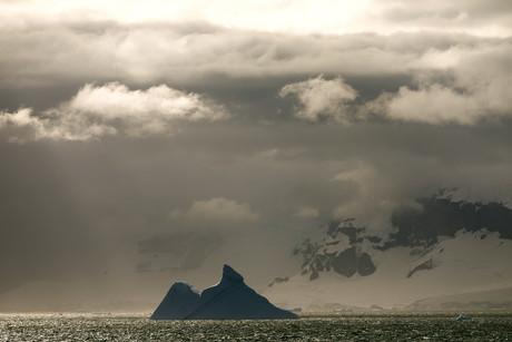 Cruising, Antarctica 07.jpg