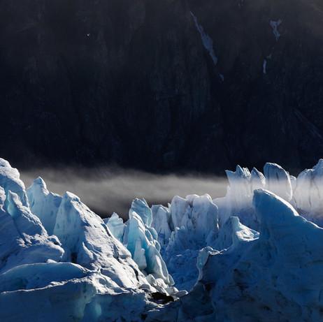 Monacobreen glacier, Svalbard 03.jpg