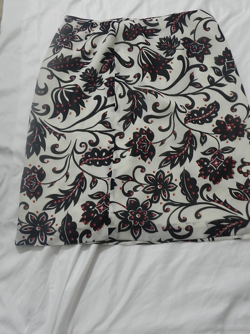 WHITE/BLACK/RED FLORAL SKIRT