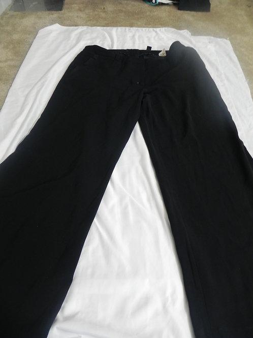 CLASSIC FIT BLACK JEANS