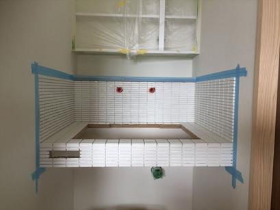 タイル張りました。洗面台も造作です。内装工事も進んでます。