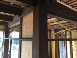 大工造作。上がり框や竿縁天井。