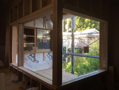 窓廻りの造作、庇も作りました。