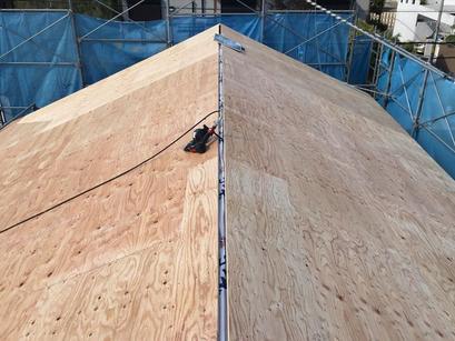 大屋根の下地、完了。