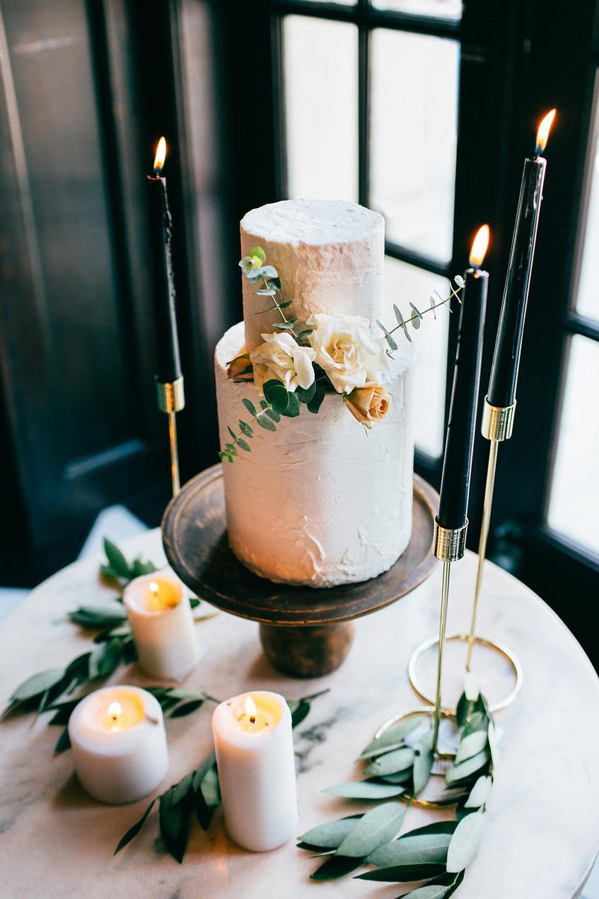 Wedding; wedding reception; cake; Austin Bride; Austin Wedding