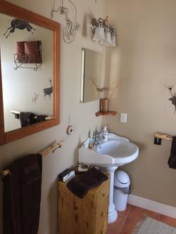bathroom-pedestal sink