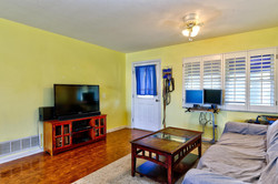 422 20th Ave Indian Rocks-large-018-13-Living Room-1498x1000-72dpi