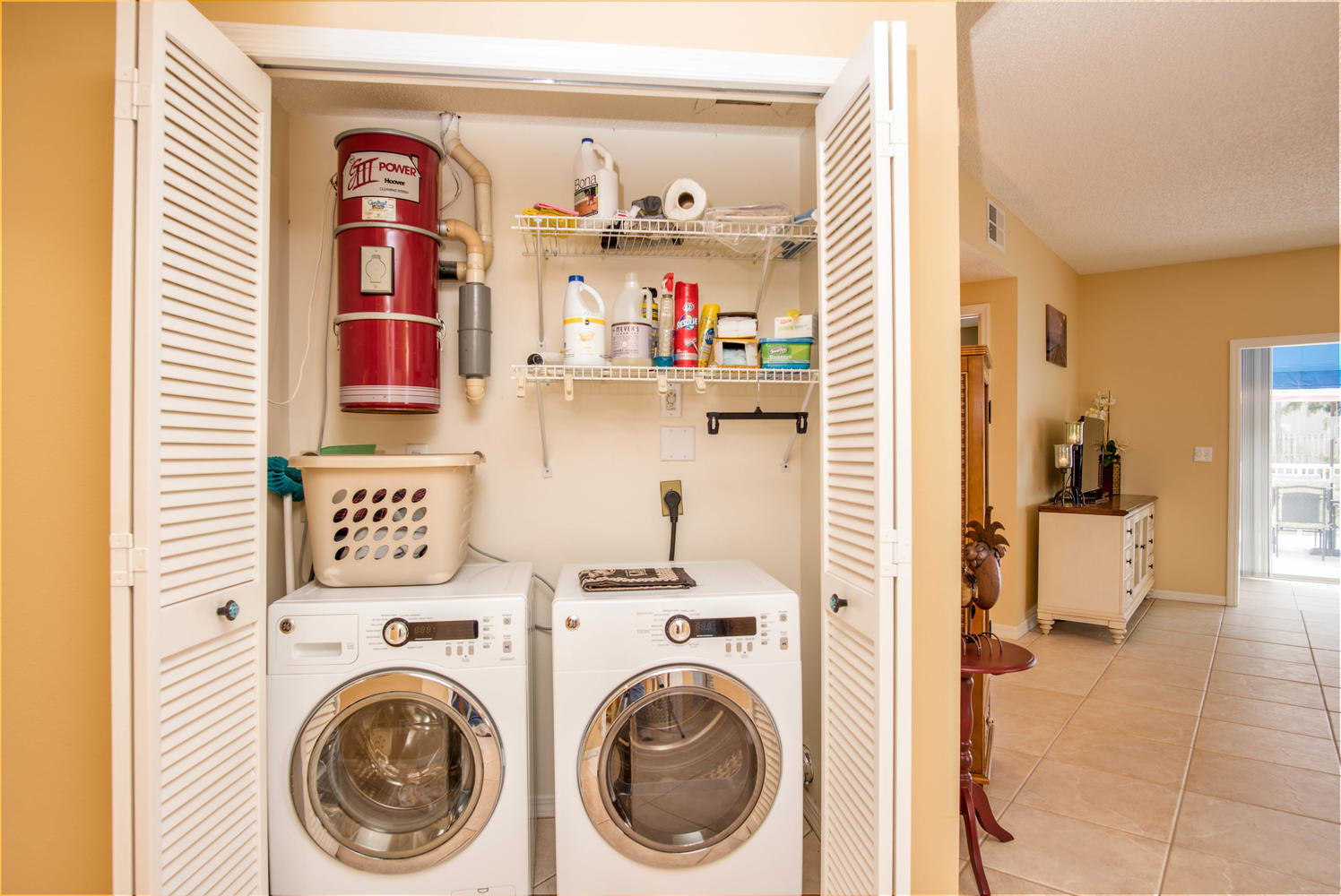11525 Shipwatch Dr unit 1046-large-029-25-Laundry-1497x1000-72dpi