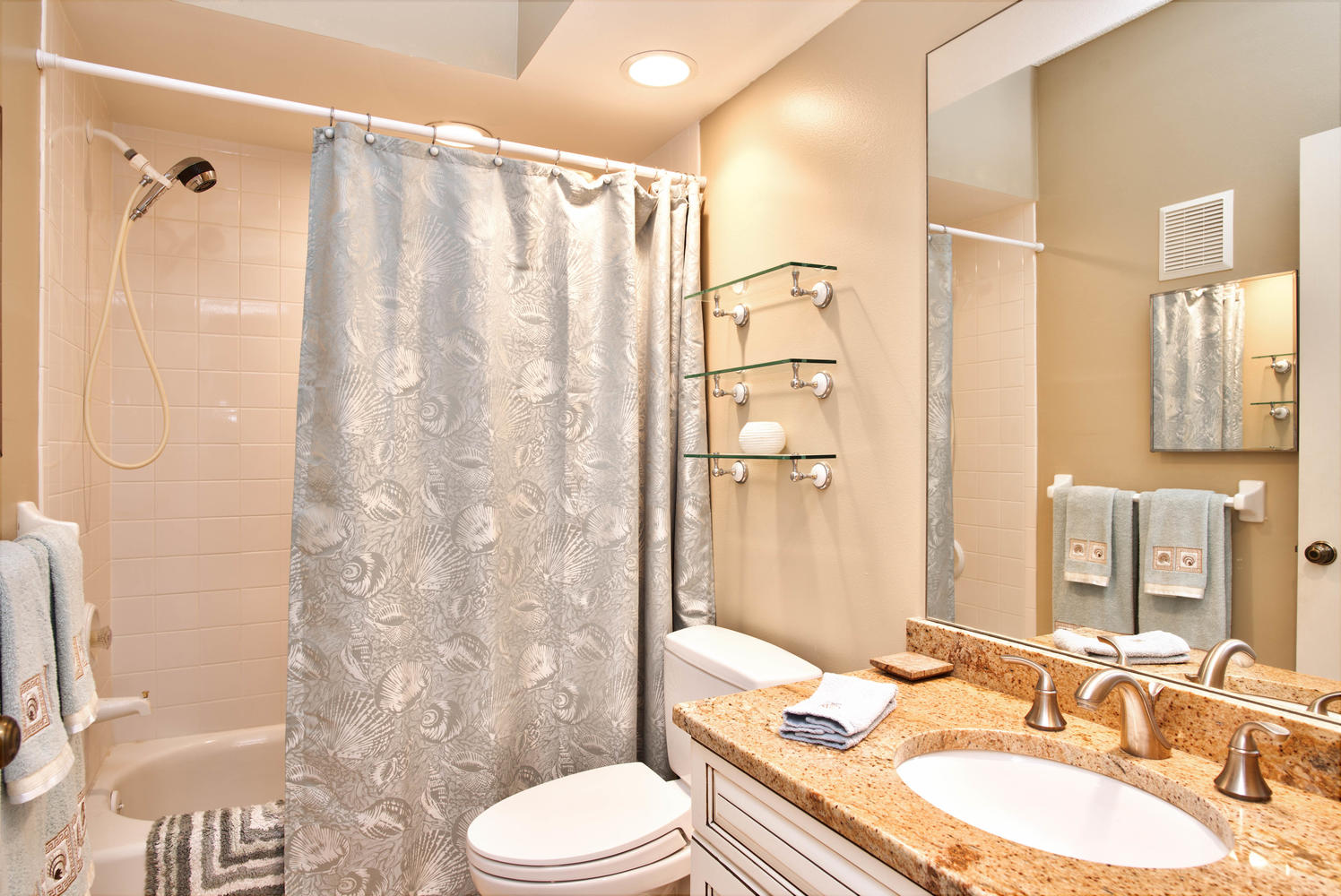 11525 Shipwatch Dr unit 1046-large-027-22-Bathroom-1497x1000-72dpi