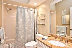 11525 Shipwatch Dr unit 1046-large-027-22-Bathroom-1497x1000-72dpi