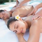 Massagem para o casal no spa